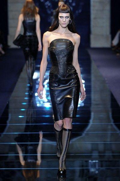 Clothing, Human, Leg, Fashion show, Human body, Joint, Fashion model, Runway, Style, Dress,