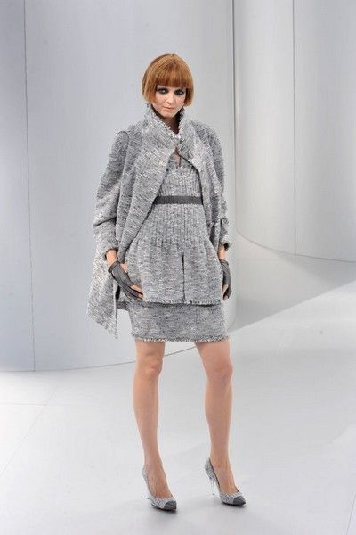 Clothing, Product, Sleeve, Shoulder, Human leg, Joint, Outerwear, Dress, Coat, Style,