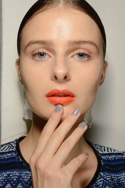 Lip, Finger, Cheek, Skin, Chin, Forehead, Eyebrow, Eyelash, Organ, Beauty,