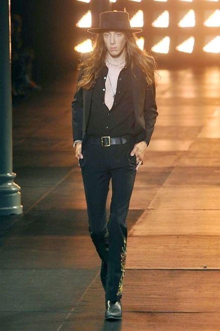 Denim, Collar, Outerwear, Style, Hat, Street fashion, Light, Fashion model, Fashion, Youth,