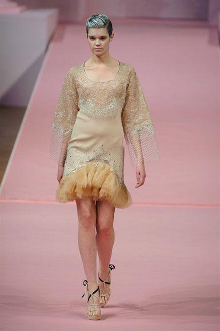 Fashion show, Shoulder, Textile, Dress, Joint, Runway, Style, Fashion model, Fashion, Model,