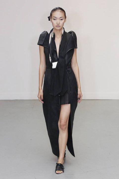 Leg, Sleeve, Human leg, Shoulder, Collar, Shoe, Dress, Joint, Standing, Formal wear,