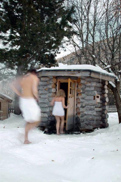 Shoulder, Winter, Standing, Back, Snow, Freezing, Waist, Home, Snapshot, Barechested,