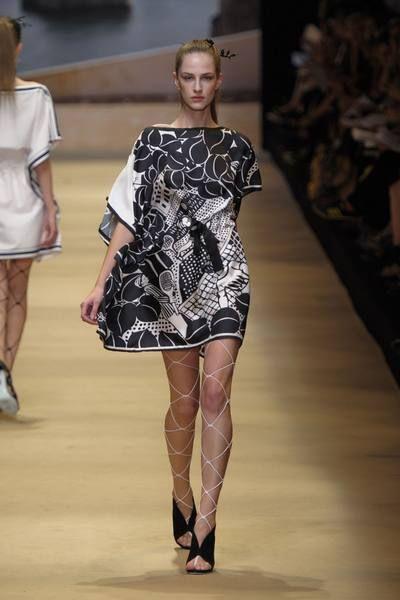 Clothing, Footwear, Leg, Human body, Shoulder, Fashion show, Dress, Human leg, Joint, Runway,