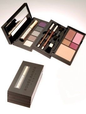 Product, Rectangle, Magenta, Violet, Lavender, Cosmetics, Eye shadow, Paint, Square, Silver,