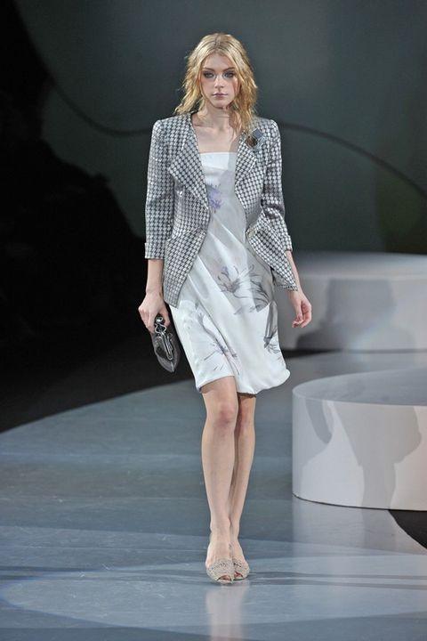 Fashion show, Shoulder, Joint, Dress, Fashion model, Runway, Style, One-piece garment, Fashion, Model,