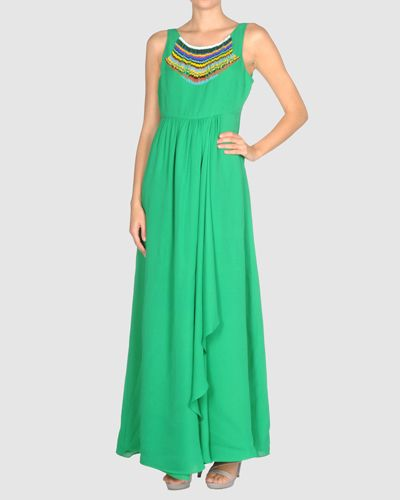 Clothing, Green, Dress, Sleeve, Shoulder, Textile, Standing, Joint, One-piece garment, Formal wear,