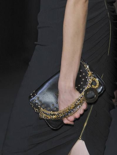 Joint, Wrist, Fashion accessory, Fashion, Waist, Body jewelry, Bracelet, Natural material, Embellishment, Day dress,