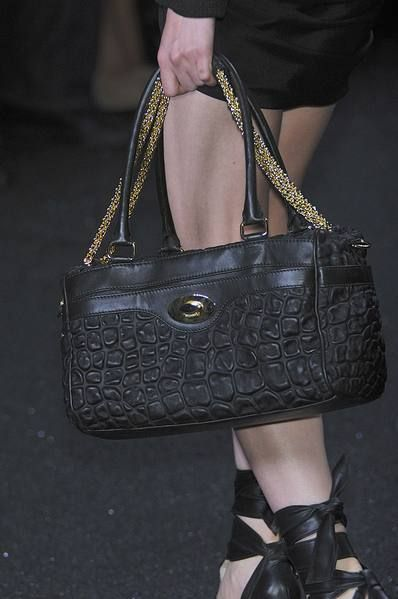 Product, Brown, Bag, White, Fashion accessory, Style, Luggage and bags, Leather, Beauty, Pattern,