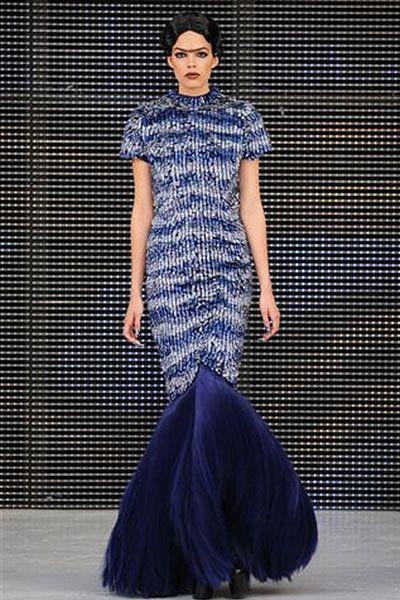 Blue, Fashion show, One-piece garment, Dress, Electric blue, Cobalt blue, Fashion, Pattern, Street fashion, Fashion model,