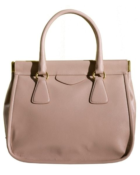 Product, Brown, Bag, White, Style, Fashion accessory, Luggage and bags, Leather, Shoulder bag, Beauty,