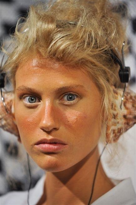 Nose, Mouth, Lip, Hairstyle, Skin, Chin, Eyebrow, Eyelash, Jaw, Blond,