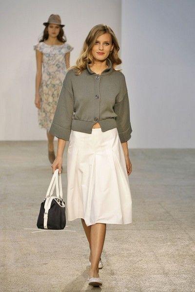 Clothing, Brown, Sleeve, Shoulder, Textile, Joint, White, Bag, Style, Khaki,