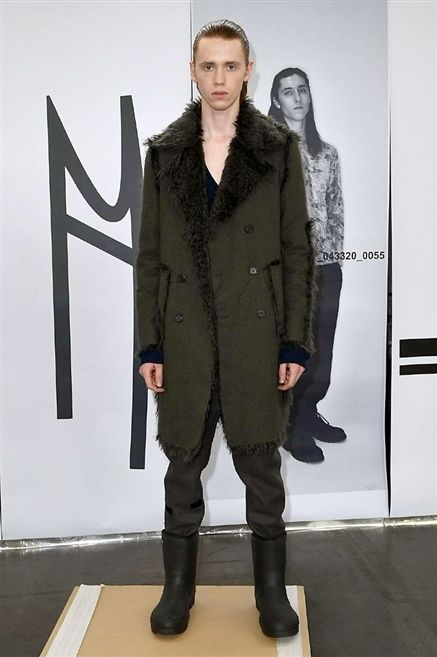 Sleeve, Collar, Standing, Style, Coat, Sculpture, Riding boot, Knee, Fashion model, Overcoat,