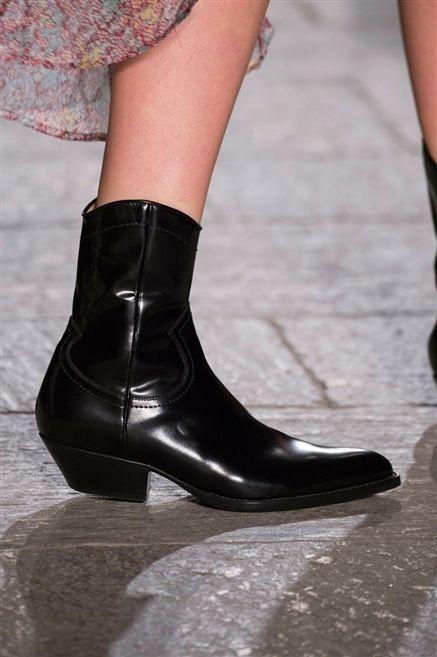 Brown, Human leg, Textile, Joint, Leather, Fashion, Black, Tan, Close-up, Calf,