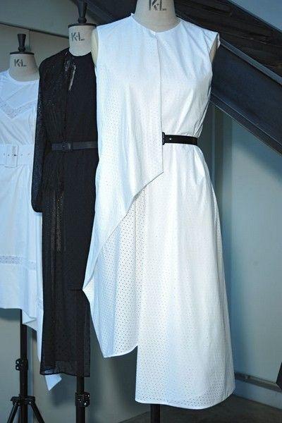Sleeve, Textile, Collar, Clothes hanger, Fashion, Grey, One-piece garment, Fashion design, Day dress, Boutique,