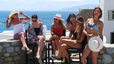Eyewear, Leg, Fun, Hat, Tourism, Event, Leisure, Sitting, Summer, Thigh,