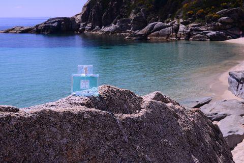 Body of water, Coastal and oceanic landforms, Rock, Coast, Water, Bedrock, Promontory, Sea, Bay, Ocean,