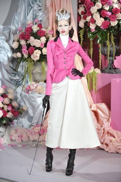 Petal, Outerwear, Flower, Pink, Style, Bouquet, Cut flowers, Boot, Fashion, Floristry,