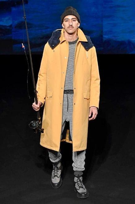 Sleeve, Collar, Overcoat, Jacket, Costume design, Street fashion, Duster, Sneakers, Frock coat, Fur,