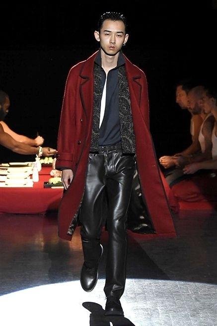 Jacket, Textile, Outerwear, Hat, Leather, Leather jacket, Fashion, Fashion model, Fashion design, Fedora,