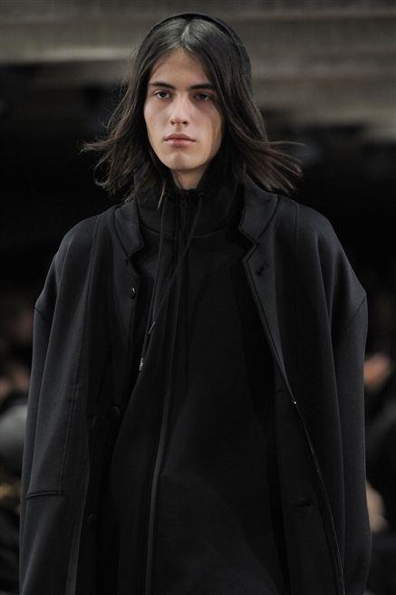 Clothing, Jacket, Sleeve, Textile, Coat, Collar, Street fashion, Fashion, Overcoat, Fur,