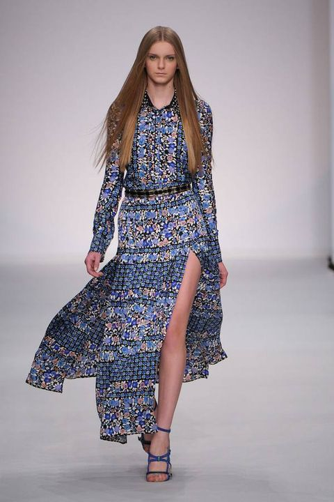 Clothing, Sleeve, Shoulder, Textile, Joint, Human leg, Fashion show, Style, Pattern, One-piece garment,
