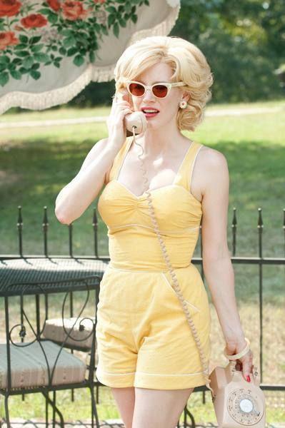 Clothing, Eyewear, Glasses, Vision care, Finger, Sunglasses, Hand, Summer, Fashion accessory, Waist,