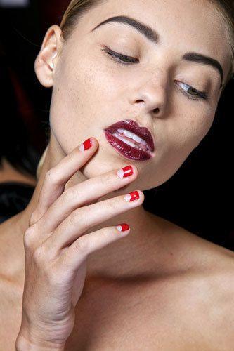 Finger, Lip, Cheek, Skin, Eyebrow, Eyelash, Nail, Beauty, Organ, Temple,