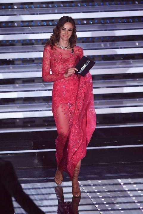 Fashion model, Dress, High heels, Fashion, Thigh, Model, Waist, Fashion show, Runway, Lipstick,
