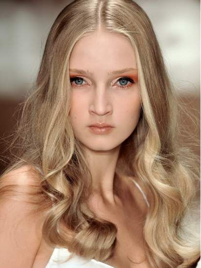Lip, Hairstyle, Chin, Eyebrow, Eyelash, Style, Beauty, Long hair, Blond, Brown hair,
