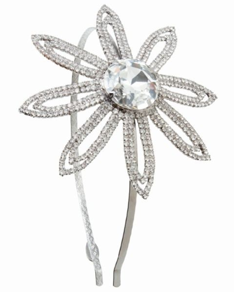 Product, Jewellery, White, Fashion accessory, Body jewelry, Metal, Pre-engagement ring, Engagement ring, Diamond, Ring,