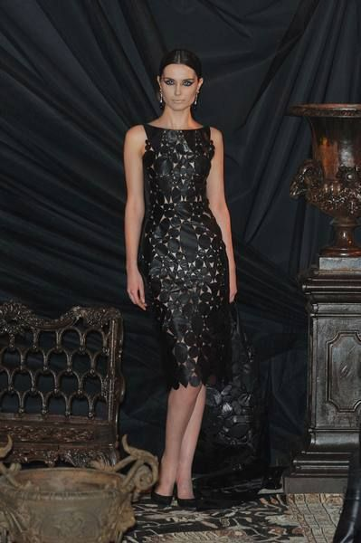 Clothing, Dress, Shoulder, Joint, Formal wear, One-piece garment, Style, Fashion, Day dress, Black,