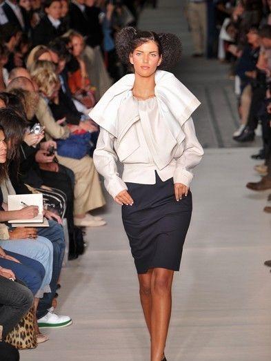 Clothing, Footwear, Leg, Human, Brown, Event, Fashion show, Shoulder, Human leg, Runway,