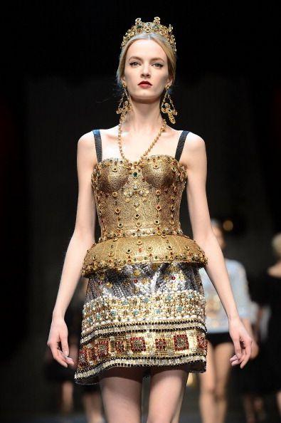 9a4a1d4618 Gli abiti gioiello dell'inverno 2013/14 da Armani Privè a Marc Jacobs.