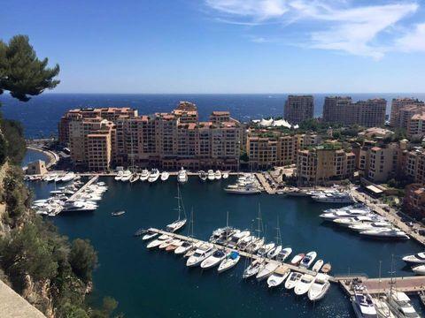 Water, City, Marina, Watercraft, Waterway, Building, Harbor, Metropolitan area, Dock, Urban area,