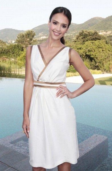 Clothing, Arm, Dress, Sleeve, Shoulder, Joint, One-piece garment, Formal wear, Summer, Day dress,