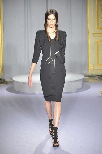 Dress, Sleeve, Shoulder, Human leg, Joint, Fashion model, Style, Formal wear, Knee, Fashion show,