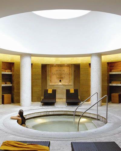Interior design, Architecture, Ceiling, Floor, Interior design, Hall, Marble, Symmetry, Column, Tile flooring,