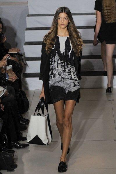 Clothing, Footwear, Leg, Shoulder, Human leg, Joint, Outerwear, Style, Bag, Fashion accessory,