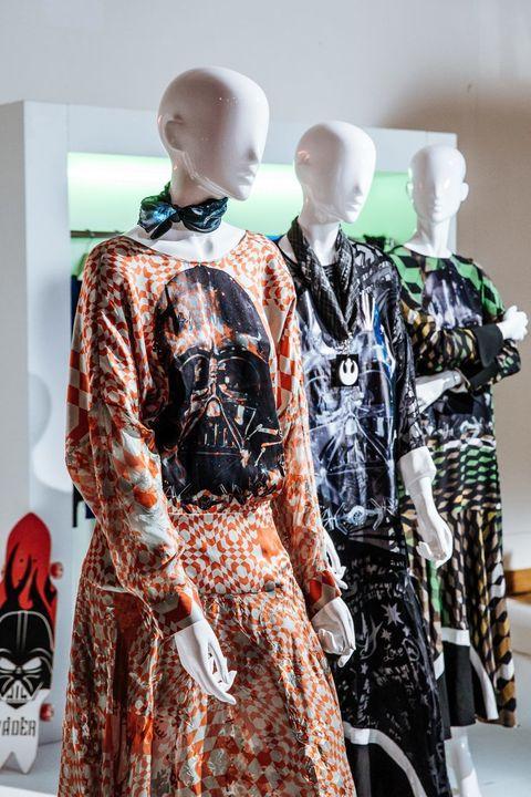 3e3e36c62f72 La moda ispirazione Disney disegnata dai grandi stilisti
