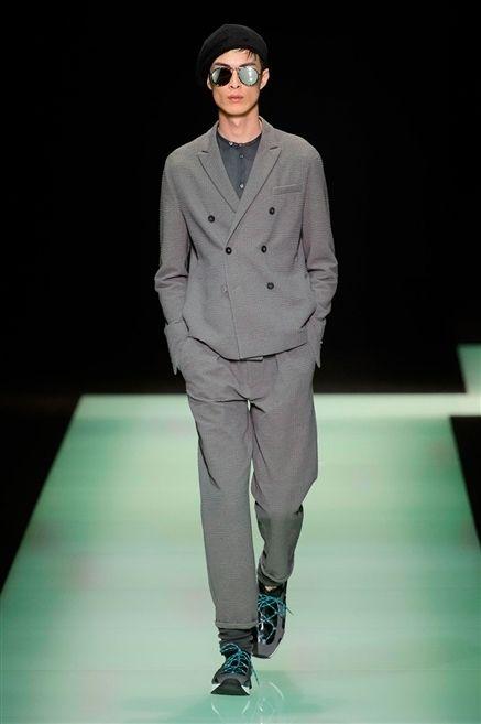 Eyewear, Fashion show, Outerwear, Runway, Coat, Style, Fashion model, Sunglasses, Fashion, Blazer,