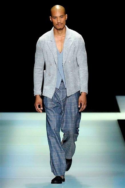 Clothing, Fashion show, Sleeve, Trousers, Human body, Shoulder, Collar, Shirt, Joint, Denim,