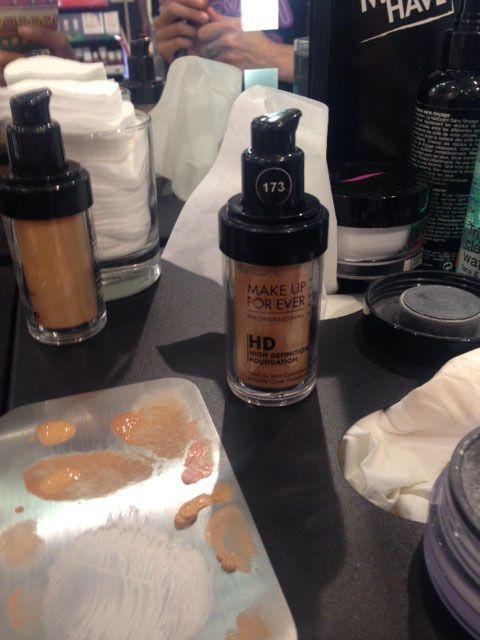 Brown, Liquid, Ingredient, Drinkware, Bottle, Chemical compound, Powder, Distilled beverage, Glass bottle, Flour,