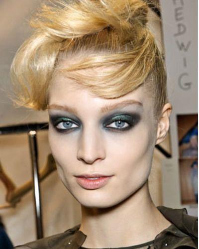 Lip, Hairstyle, Chin, Forehead, Eyelash, Eyebrow, Style, Blond, Iris, Beauty,