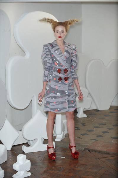 Clothing, Human body, White, Dress, Style, One-piece garment, Fashion, Sandal, Knee, Waist,