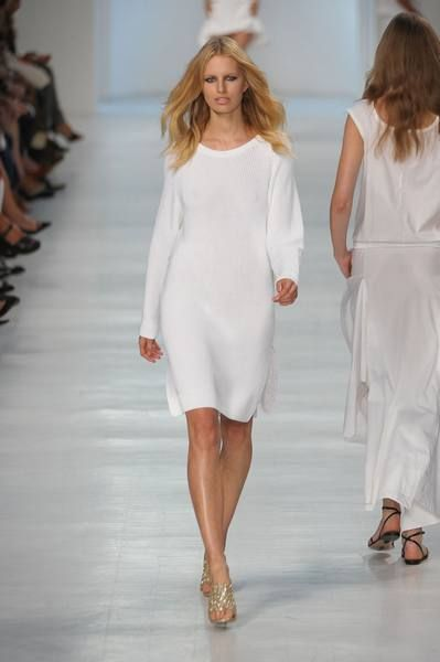 Clothing, Footwear, Shoulder, Fashion show, Joint, Style, Dress, Formal wear, Fashion model, Runway,
