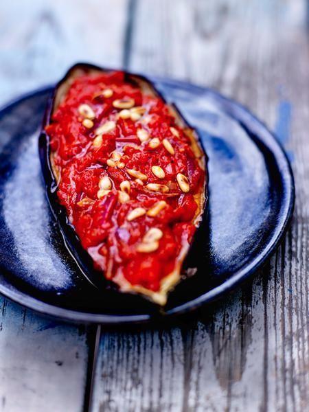 Melanzane, pomodori e pinoli