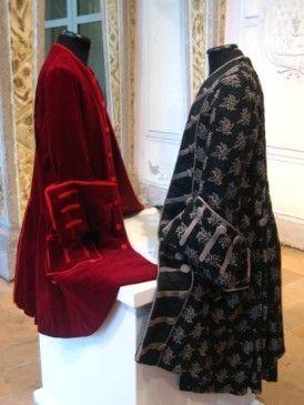 Textile, Red, White, Style, Fashion, Pattern, Maroon, Black, Fashion design, Velvet,