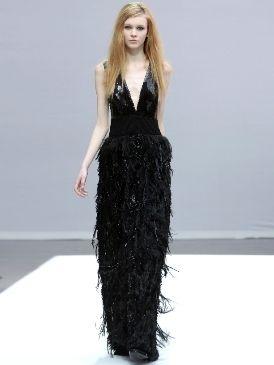 Hairstyle, Shoulder, Dress, Style, Formal wear, Fashion show, Fashion model, Fashion, Neck, Long hair,